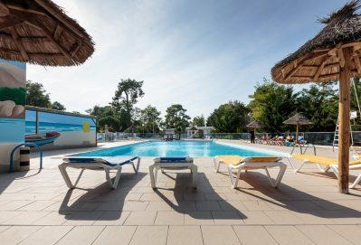 LE DAUPHIN-La piscine du camping LE DAUPHIN-SAINT GEORGES DE DIDONNE