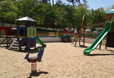 LE DAUPHIN-Espace jeux pour les enfants-SAINT GEORGES DE DIDONNE