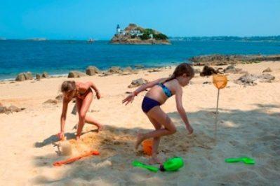LES MOUETTES-La plage-CARANTEC