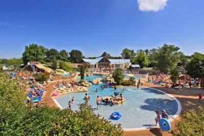 PARC DE FIERBOIS-Le parc aquatique du camping PARC DE FIERBOIS-STE CATHERINE DE FIERBOIS