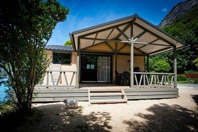 A LA RENCONTRE DU SOLEIL-Les chalets du camping A LA RENCONTRE DU SOLEIL-BOURG D OISANS
