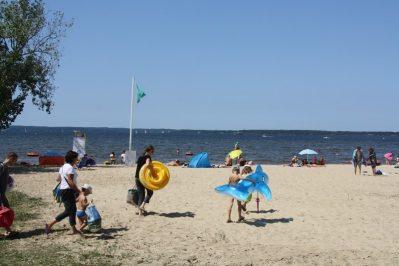 LES PRES VERTS-Accès direct à la plage pour le camping LES PRES VERTS-GASTES