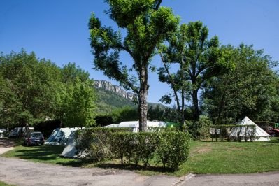 LE JARDIN DES CEVENNES-Les emplacements du camping LE JARDIN DES CEVENNES-MEYRUEIS