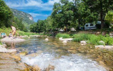 LE CAPELAN-Accès direct à la rivière en Lozère-MEYRUEIS
