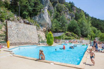 LE CAPELAN-La piscine du camping LE CAPELAN-MEYRUEIS