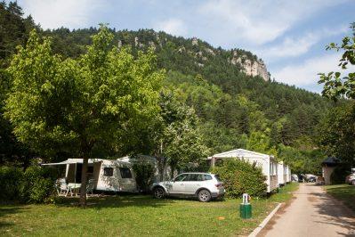 LE CAPELAN-Les emplacements du camping LE CAPELAN-MEYRUEIS