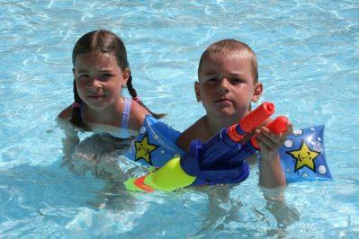 LE GRAND CALME-La piscine du camping LE GRAND CALME-FREJUS