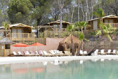 LA PIERRE VERTE-Accès direct à la plage pour le camping LA PIERRE VERTE-FREJUS