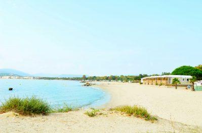 LES MURES-Accès direct à la plage pour le camping LES MURES-GRIMAUD