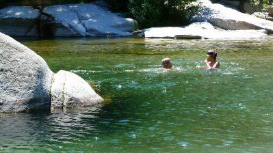 LES PLANS-Accès direct à la rivière dans le Gard-ANDUZE
