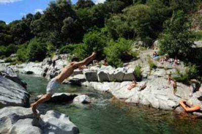 CEVENNES PROVENCE-Accès direct à la plage pour le camping CEVENNES PROVENCE-ANDUZE