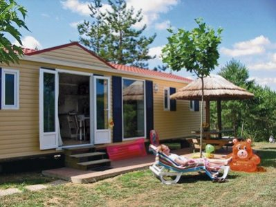 VILLAGE LAC DES 3 VALLEES-Les mobil-homes du camping VILLAGE LAC DES 3 VALLEES-LECTOURE