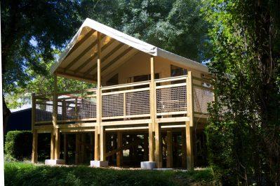 VILLAGE LAC DES 3 VALLEES-Hébergements haut de gamme du camping VILLAGE LAC DES 3 VALLEES-LECTOURE
