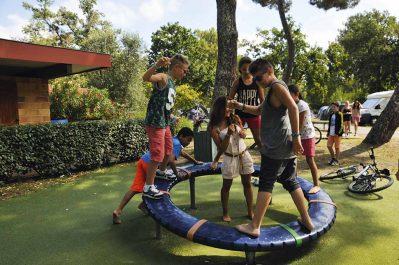 FONTAINE VIEILLE-Espace jeux pour les enfants-ANDERNOS LES BAINS
