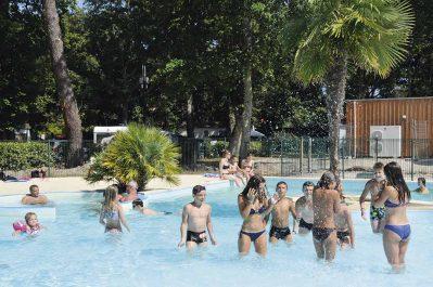 FONTAINE VIEILLE-Jeux aquatiques au camping FONTAINE VIEILLE, la Gironde-ANDERNOS LES BAINS