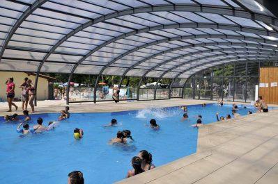 FONTAINE VIEILLE-La piscine couverte et chauffée du camping FONTAINE VIEILLE-ANDERNOS LES BAINS
