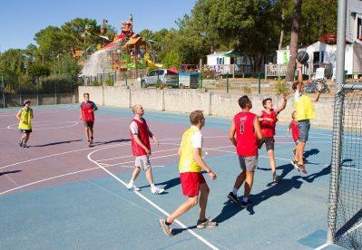 LA COTE D'ARGENT-Le terrain multi-sports-HOURTIN