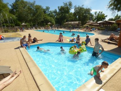 LES OURMES-Le parc aquatique du camping LES OURMES-HOURTIN