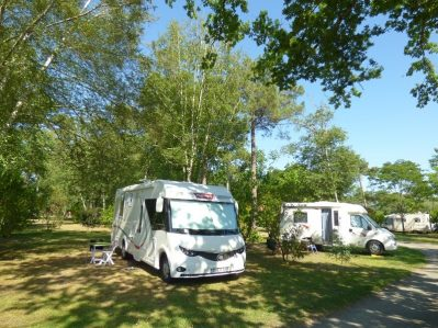 LES OURMES - Les emplacements du camping LES OURMES - HOURTIN