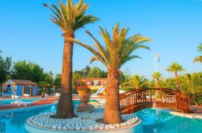 BEACH CLUB NOUVELLE FLORIDE-La piscine du camping BEACH CLUB NOUVELLE FLORIDE-MARSEILLAN