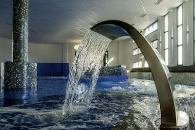 BEACH CLUB NOUVELLE FLORIDE-La piscine couverte du camping BEACH CLUB NOUVELLE FLORIDE-MARSEILLAN