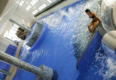 LE CHARLEMAGNE-La piscine couverte du camping LE CHARLEMAGNE-MARSEILLAN