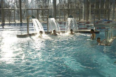 NANTES CAMPING-La piscine couverte et chauffée du camping NANTES CAMPING-NANTES