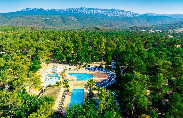Camping domaine de la sainte baume nans les pins - Camping lavandou piscine ...