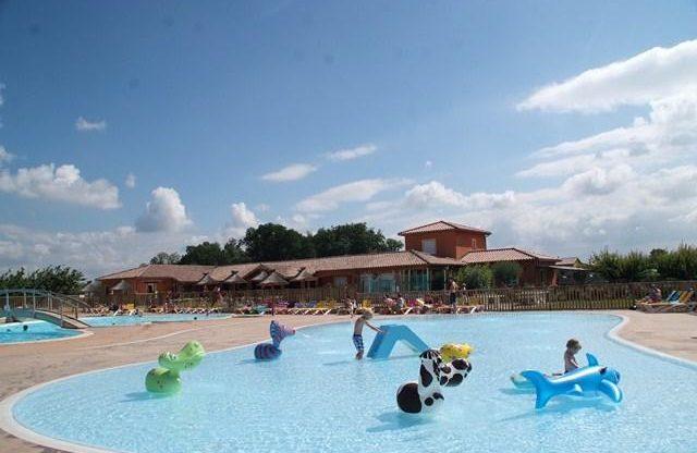 Das Schwimmbad Des Campingplatzes LE SOLEIL FRUITE