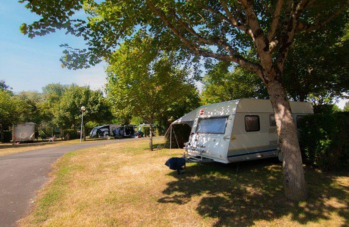 Camping municipal in preuilly sur claise indre et for Camping indre et loire avec piscine