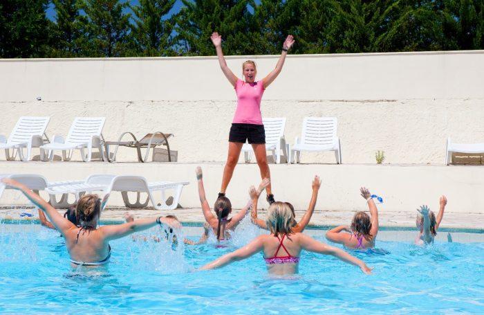 Das Schwimmbad Des Campingplatzes ARDECHE LUDO CAMPING PARC ...