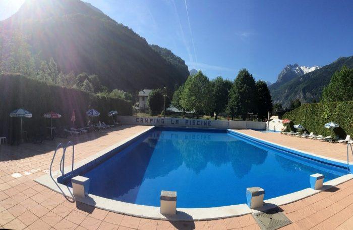 Camping la piscine au bourg d oisans is re for Cash piscine isere