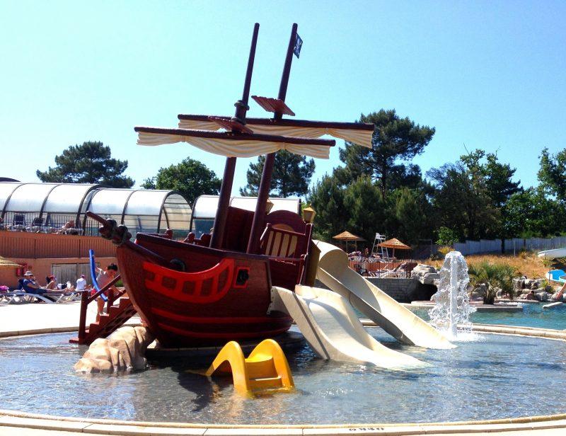 LE PALACE-Jeux aquatiques au camping LE PALACE, la Gironde-SOULAC SUR MER