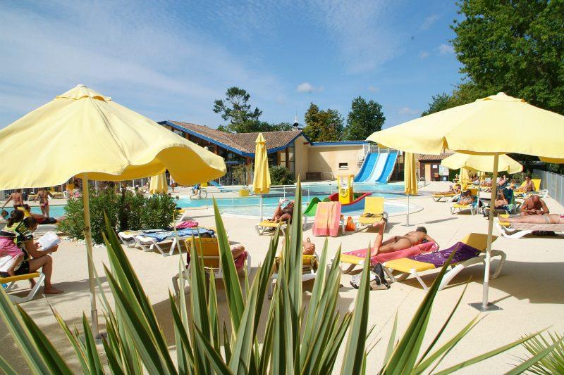 CAMP BIMBO-La piscine du camping CAMP BIMBO-BISCARROSSE