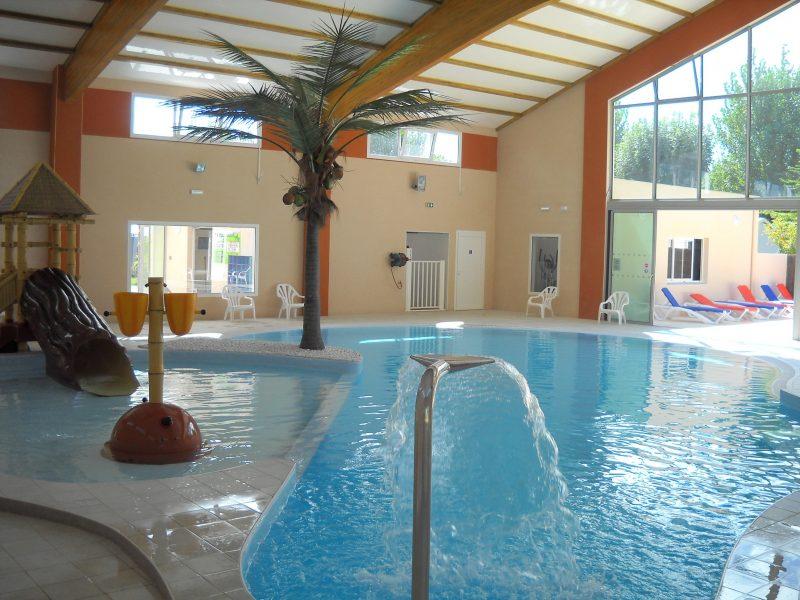 LES JARDINS DE L'ATLANTIQUE-La piscine couverte du camping LES JARDINS DE L'ATLANTIQUE-SAINT JEAN DE MONTS