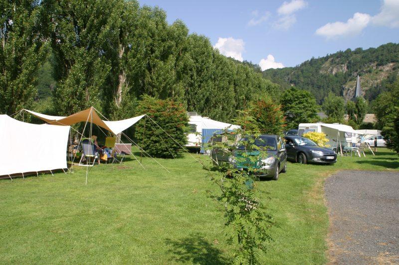 LES BOMBES-Le camping LES BOMBES, das Departement Puy-de-Dôme-CHAMBON SUR LAC