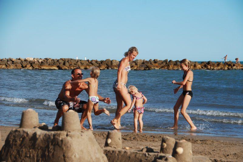 CLUB FARRET-Accès direct à la plage pour le camping CLUB FARRET-VIAS