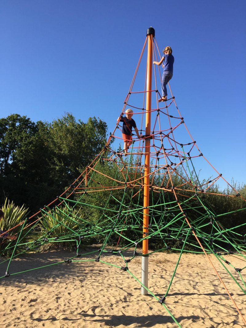 LE PATISSEAU-Espace jeux pour les enfants-PORNIC