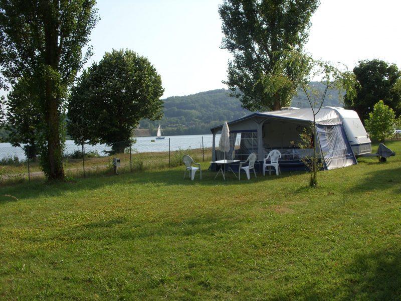 L'ILE DE LA COMTESSE-Un camping en bord de lac das Departement Ain-MURS ET GELIGNIEUX