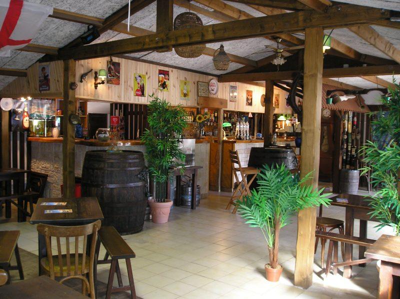 DOMAINE DES RENARDIERES-Le bar du camping DOMAINE DES RENARDIERES-NOTRE DAME DE RIEZ