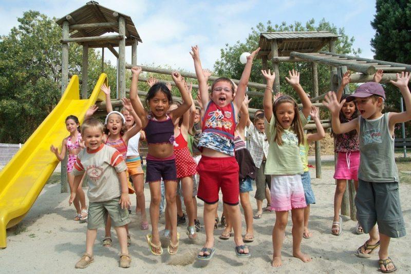 BEAU RIVAGE-Espace jeux pour les enfants-MEZE