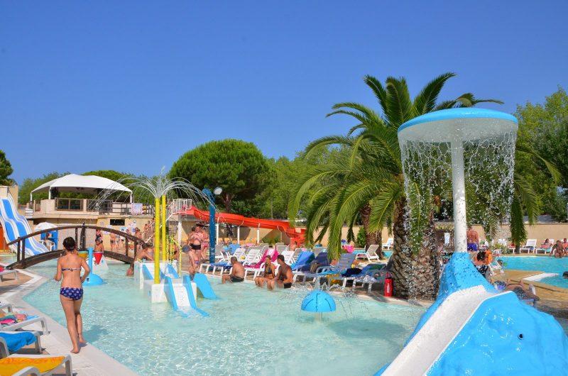 L'EDEN HOTEL DE PLEIN AIR-Jeux aquatiques au camping L'EDEN HOTEL DE PLEIN AIR, das Departement Gard-GRAU DU ROI