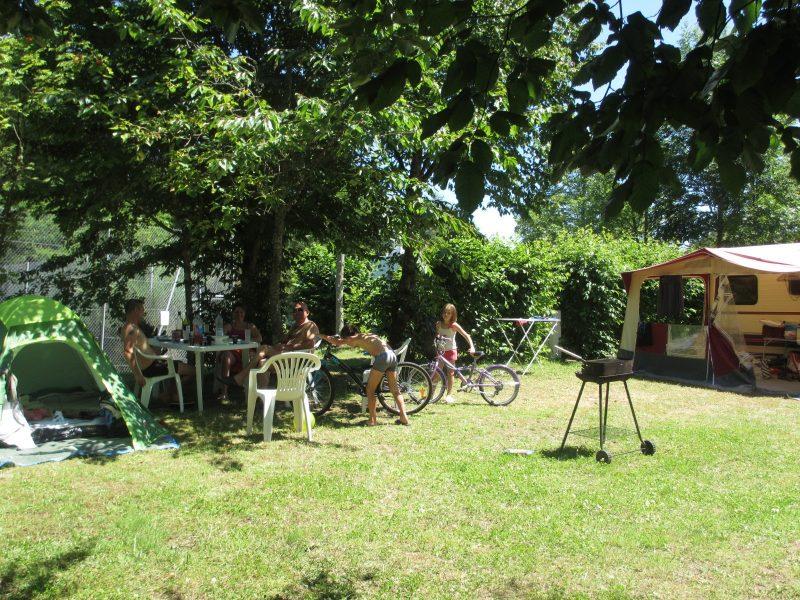 CAMPING DE FREAUDOUR-Les emplacements du camping CAMPING DE FREAUDOUR-SAINT PARDOUX