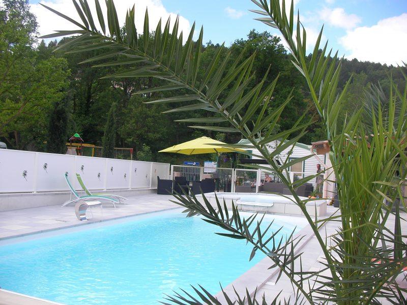 ROSE DE PROVENCE-La piscine du camping ROSE DE PROVENCE-RIEZ