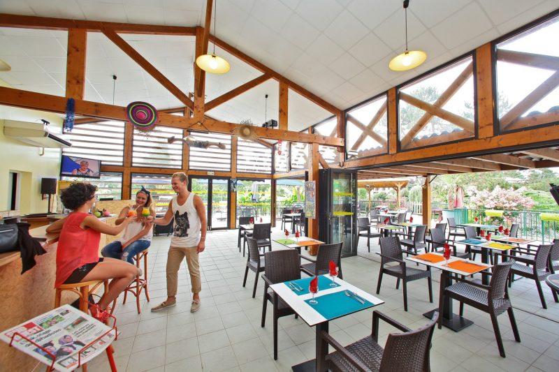 LES 3 CAUPAIN-Le restaurant du camping LES 3 CAUPAIN-BUGUE