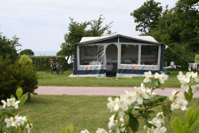 BELLEVUE-Un camping fleuri-ERQUY