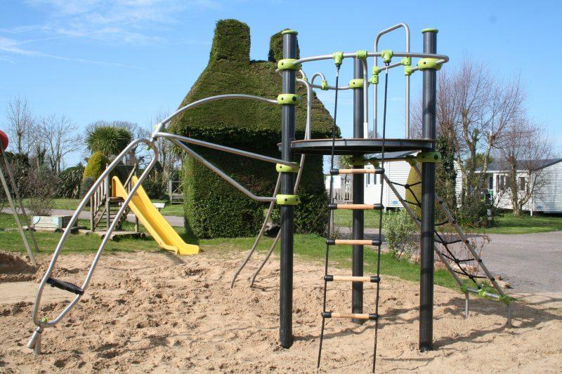 BELLEVUE-Espace jeux pour les enfants-ERQUY