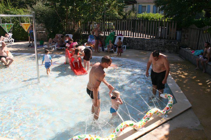 AU SOLEIL D'OC-La piscine du camping AU SOLEIL D'OC-MONCEAUX SUR DORDOGNE