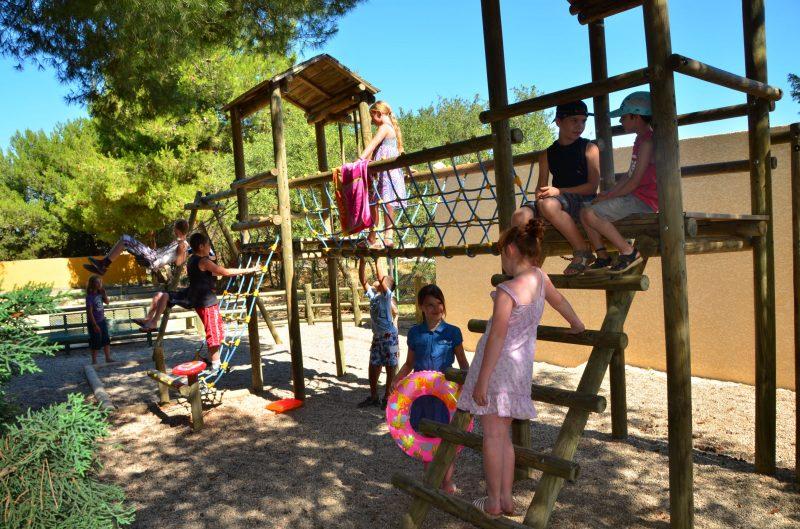 LE MAS DU PADRE-Espace jeux pour les enfants-BALARUC LES BAINS