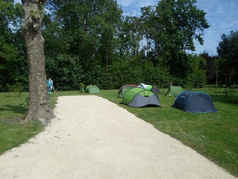 LE MARTIN PECHEUR-Les emplacements du camping LE MARTIN PECHEUR-MAGNE